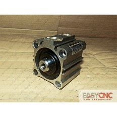 CQ2B40-20DC SMC CYLINDER USED